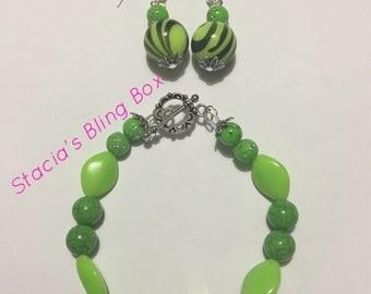 Green Swirl Bracelet w/ Earrings