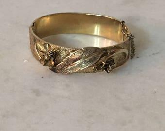 Vintage gold hinged bracelet