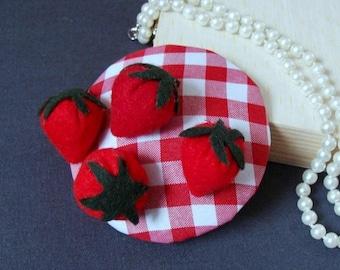 """Bibi"" hat / fascinator - strawberries"
