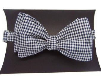 Houndstooth Self-Tie Bow Tie.