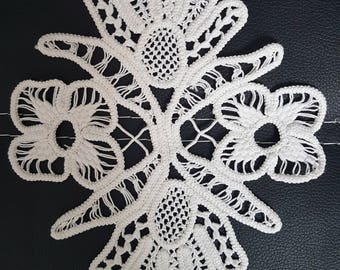 Small Romanian Point Lace ,Handmade Crochet Doily, Floral