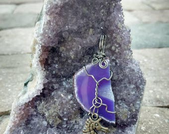 Wire wrapped sliced agate