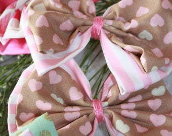 2 Fabric Bows