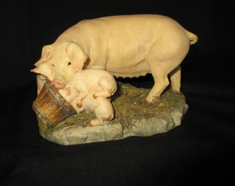 Aynsley master craft,pig & pigletts, hand painted ,nice condition