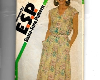 Simplicity Misses' Pullover Dress Pattern 6402