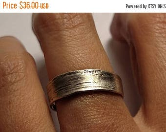 SALE TODAY Abstract Organic Style Textured Asymmetrical Sterling Silver Rustic Band Ring Wedding Stackable Size 9