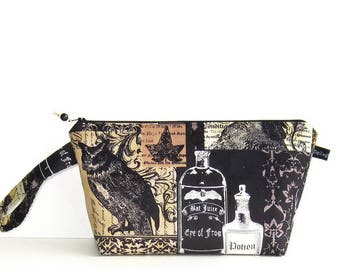 Wedge Bag, Small Project Size Knitting Bag, Nevermore