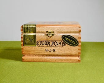 Wood Hinged Cigar Box Flor Fina Craft Supply Dominican Republic Treasure Chest Box