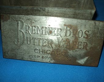 Vintage Bremner Bros Butter Wafer Advertising Chicago Tin Box--Primitive Box