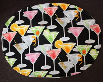Oval placemats with martii glasses, set of 4