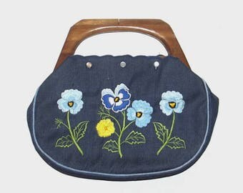 1990s purse / vintage 90s purse / wooden handle / Blue Forget Me Not Floral Bermuda Bag