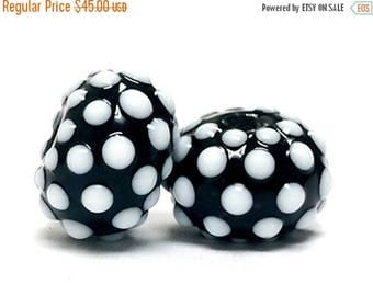 ON SALE 30% off Seven Black and White Rondelle Beads - 10203801-Handmade Glass Lampwork Bead