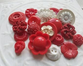 Vintage Buttons - Cottage chic mix of red and off white, lot of 20 old and sweet( june 505 17)