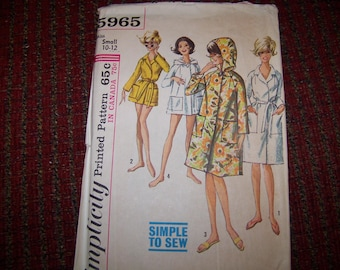SIMPLICITY 5965 LADIES small pattern size 10-12 new and uncut