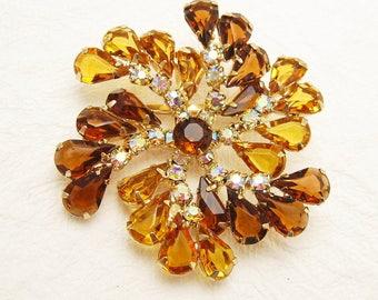 Gold Rhinestone Brooch Pinwheel Unique Vintage Jewelry P5776