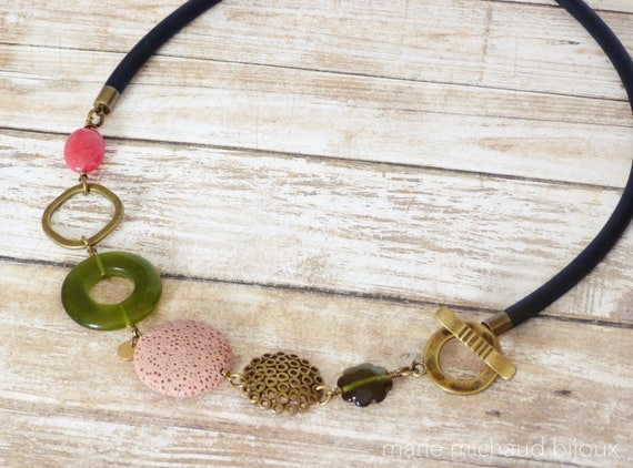 Short boho necklace, Allergy free necklace, Bold necklace, Colorful necklace, Rubber necklace, Free shipping, Boho jewelry, Front clasp