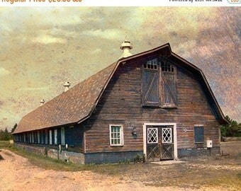 CIJ SALE Vintage Barn Photo, Rustic Country Barn, Rural Landscape, Old Farm Barn, Country Scene, Barn with Windows, Country Wall Art, Fall C