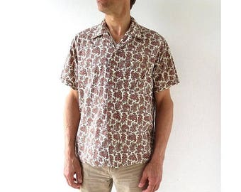 20% off sale Vintage 1950s Shirt | Men's Paisley Shirt | 50s Shirt | Large L
