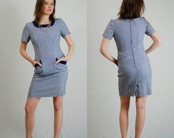 SALE 25% off sundays Preppy Shift Dress Vintage 80s Dark Blue Houndstooth Plaid Body Con Secretary Shift Dress (s)