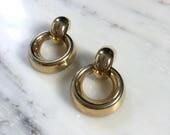 Simple Doorknocker earrings | vintage gold doorknocker earrings | 80s gold earrings