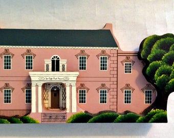 EUC Sheila's Collectibles, Olde Pink House, Savannah, Georgia. Signed 1990