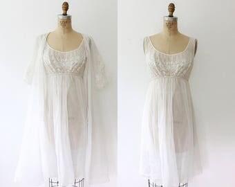 vintage lingerie / vintage peignoir / Vanity Fair lingerie