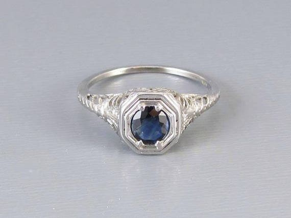 Vintage Art Deco 18k white gold filigree .40 ct. blue sapphire solitaire ring, size 6