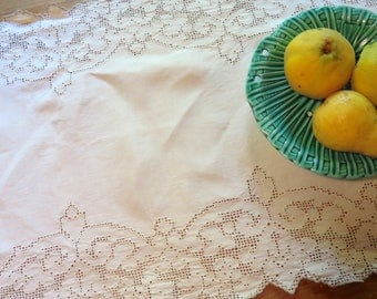"""Vintage Mosaic Lace Table Runner in Ivory Linen 51"""" x 15-1/2"""""""