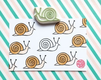 snail rubber stamp. woodland hand carved stamp. nature garden stamp. diy party invites. card making. gift wrapping ideas. gift for mom