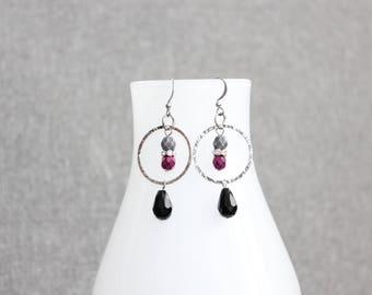 boucles d'oreilles, cristal, cristaux, gouttes, ronde, chic, mariage, cadeau pour elle, st-valentin, anneau, noir, fushia grise, black, grey