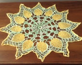 Vintage Green & Yellow Lace Crochet Doily, Centrepiece, Pineapple Pattern, Picot Edge, Lacy Crochet