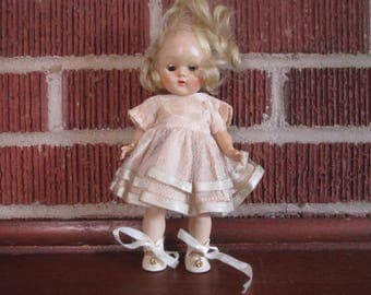 Vintage 1950s Strung Adorable Vogue Blonde Ginny Doll as found