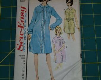 1960s Night Shirt Dress with yoke 18 Advance 3284