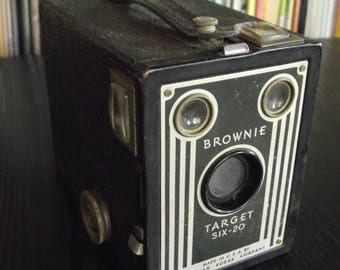 SALE 25% OFF 1940's Kodak Brownie Target Six-20 Box Camera