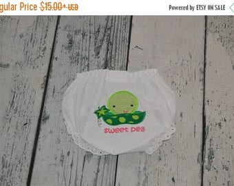 ON SALE Sweet Pea Baby Bloomers, Baby Girls Diaper Cover
