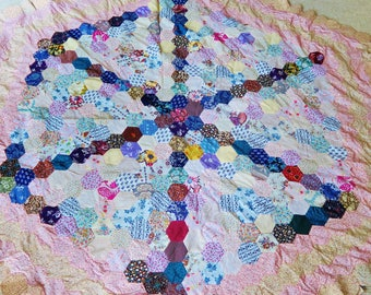 Hexagon PATCHWORK, paper pieced, unfinished patchwork, quilt top, patchwork cloth, hand stitched, 1970s topper, quilt top