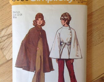 Simplicity 9669 Misses' Cape • size Medium 12-14