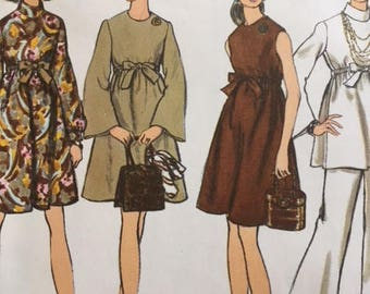 Vintage 1960s Vogue 7632 Mod Dress - size 8
