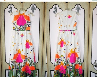 ON SALE Vintage Girls Dress in Psychedelic 60's Print by Loungees Junior.