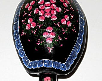 vintage TURTLE TRINKET box,THAILAND folk art jewelry box,lacquer hand painted,vg condition,flowers,pink,black,dark green,white,blue,rose