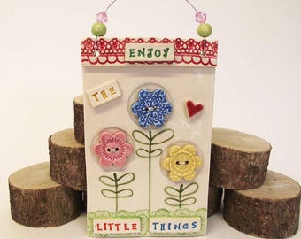 Pottery flower ceramic plaque Enjoy the little things ceramic decoration wall hanging