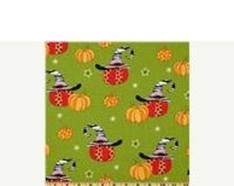 Gorgeous Pumpkins on Green Fabric --   HARD FIND