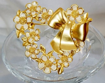 SALE Vintage Gold and White Flower Heart Brooch. Brushed & Shiny Gold Tone Hearts and Flowers Pin.