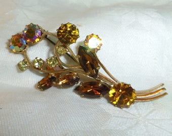 Rhinestone Brooch Pin, Spray of Flowers Goldtone Metal Shades of Amber 3 inches