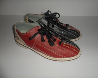 Vintage Women's Bowling Shoes Size  38.5 or 6 / 7 Red Navy and Cream Color Combo