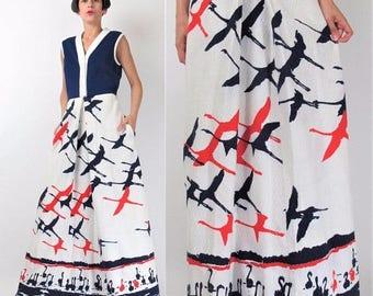 30% Off FLASH SALE Vintage 70s CRANE Print Dress 1970s Novelty Print Dress Long Maxi Dress White Red Navy Blue Dress Bird Print Dress Sleeve