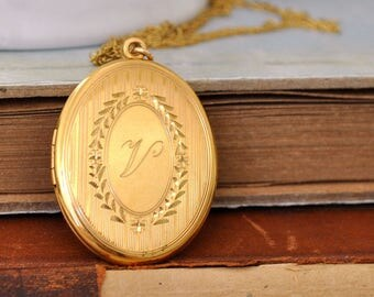 VINTAGE GOLD LOCKET gold filled book style locket necklace, engraved, ornate pattern, Victorian style locket, photo locket