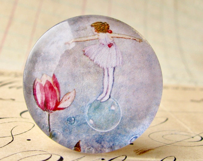 Bubble fairy with tulip, handmade 25mm round glass cabochon, fantasy stories, bottle cap, 1 inch, from our Winged Wonders collection