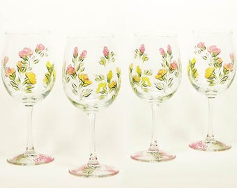 Personalized Bachelorette Party Wine Glasses, Multi-Color Set of 8 Hand-Painted Floral Glasses - Gold Yellow Peach Pink Roses
