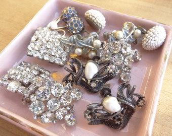 Single Vintage Earrings Lot. Costume Jewelry Lot, Vintage Jewelry Supply and Craft, Silver White Blue Rhinestone Dark Pearl Craft Lot E35A